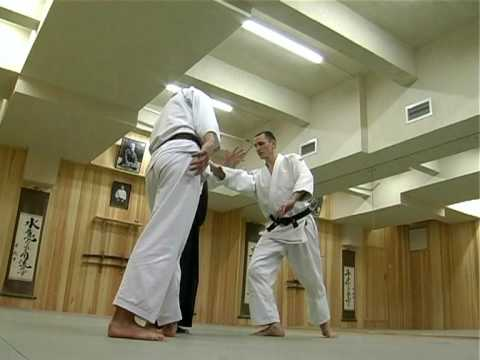 Aikido techniques demonstration by Sensei Kyoichi Inoue in Misogikan Dojo. 23-12-2007. Part 3