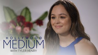 Tyler Henry's Reading Brings Hayley Orrantia to Tears | Hollywood Medium with Tyler Henry | E! - EENTERTAINMENT