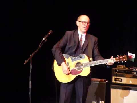Andy Fairweather Low   Atkinson Southport   7th Dec 2013 020