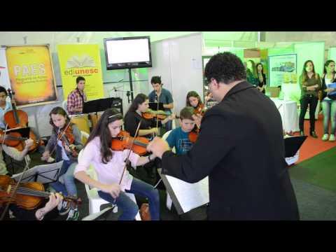 Orquestra da Abadeus na Feira de Economia Solidaria da Unesc
