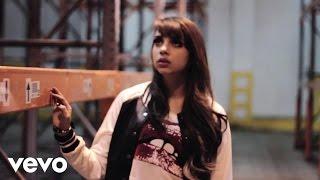 Katia Nicole - The Girl Can't Help It