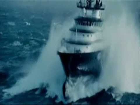 SHIPS IN STORM INCREDIBLE VIDEO