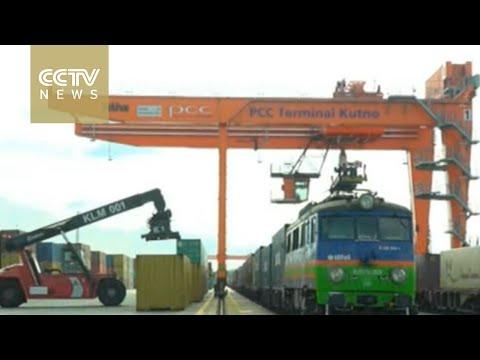 Materiał o połączeniu cargo z chińskiej telewizji.