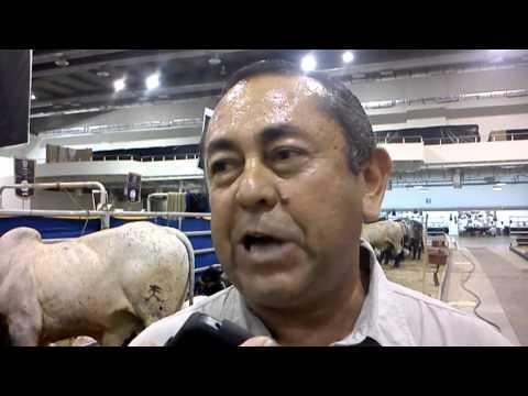 MVZ Mateo Aguirre Arizmend-Entrevista en Expo Ganado Cebu 2013