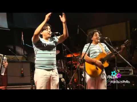 Los Mellizos   La Falda bajo las Estrellas 2012