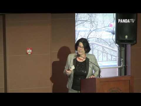"""""""Każdą z rocznic smoleńskich poprzedzała negatywna kampania w mediach"""" –mówiła na zeszłorocznej konferencji na UKSW dr Hanna Karp."""