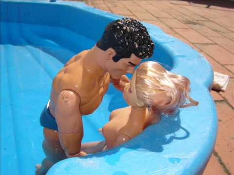 Barbie, na piscina