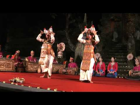 Beautiful Bali - Legong Trance Dance in Ubud