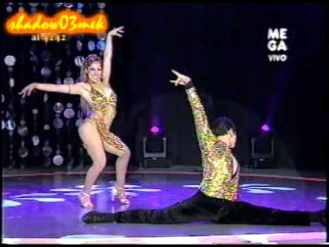 Pareja de baile salsa con ViVi.