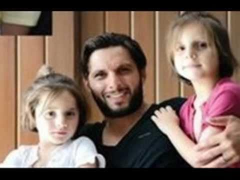 Shahid Afridi's Family with Wife & Daughters... Meri Duniya Tu Hi Re