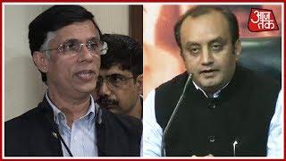 Kashmir फंसा सियासत में ! टक्कर: Pavan Khera vs Sudhanshu Trivedi | Halla Bol With Anjana Om Kashyap - AAJTAKTV