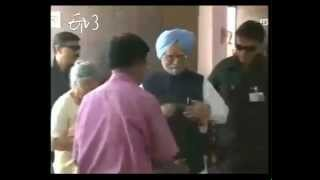PM Manmohan Singh Casts Vote in Guwahati - ETV2INDIA