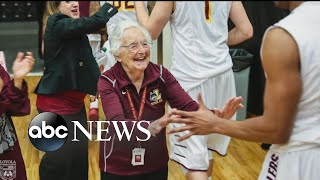 Guardian angel helps Loyola Chicago basketball team enter the Sweet 16 - ABCNEWS
