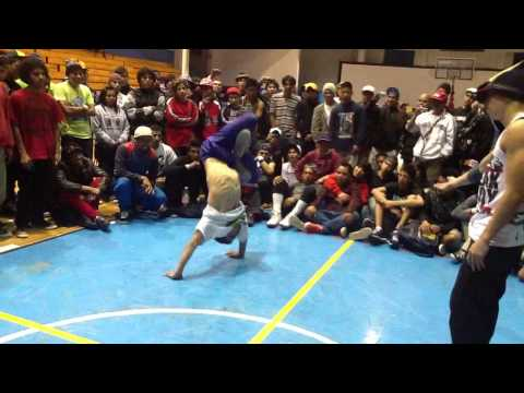 Cirujano (Kadetes del Toke - México) VS Titi (Flying Legs Crew - Venezuela) @ Battle Sonic 2011