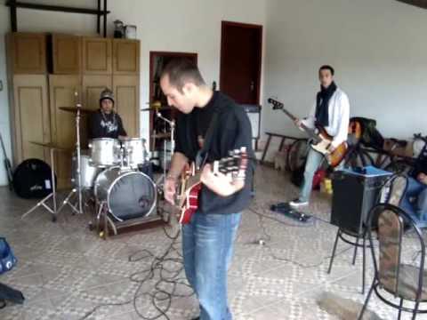 Ensaio banda Cão de guarda - Cabelos Negros (Rosa Tattooada cover)