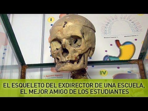 El esqueleto del exdirector de una escuela, el mejor amigo de los estudiantes