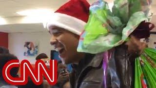 Obama surprises kids in Santa hat - CNN