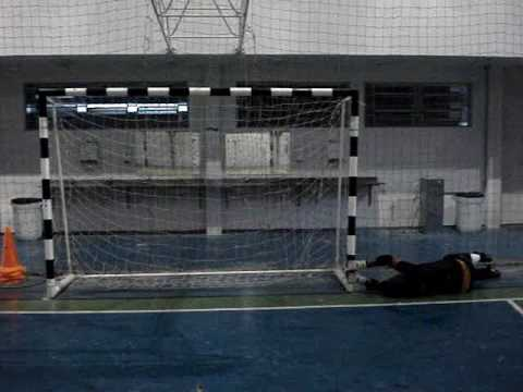 9 ) TREINAMENTO GOLEIROS FUTSAL GOALKEEPER TRAINING( PROFESSOR TIAGO PONTES)