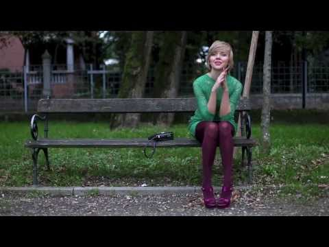 THECABLOOK Darya Kamalova video outfit: green lace dress