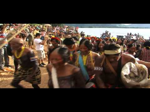 Índios chegando em São Félix do Xingú