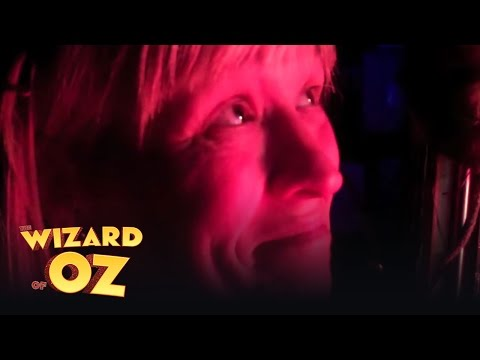 Wizard of Oz - In the wings with Jo Miles, Part 5