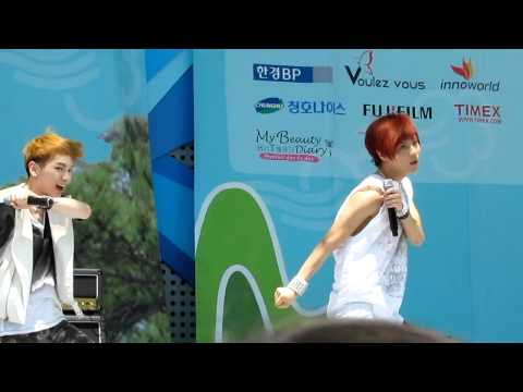 (Fancam)110528 SHINee Taemin focus Greetings & Lucifer @ Walking Festival