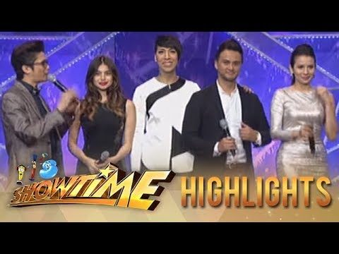 IT'S SHOWTIME Kalokalike : Parade of Stars