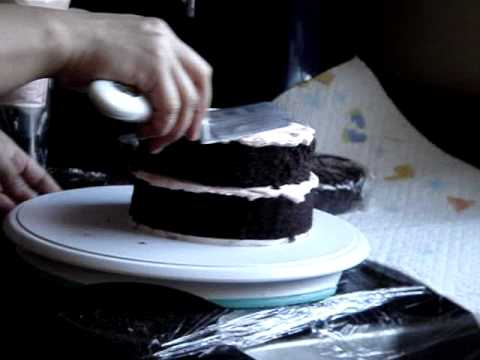 icing a Small Cake for beginners