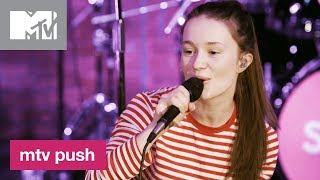 Sigrid Performs 'Raw' 🎶 | MTV Push - MTV