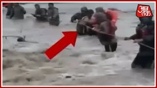 बाढ़ की विनाशलीला: आधा हिन्दुस्तान जुझ रहा बाढ़ के सितम से - AAJTAKTV