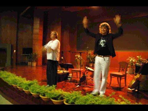 Hucky and Harvey ฮัคกี้ และ ฮาร์วีย์ Silk and Bamboo Thailand Tour