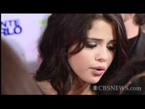 Justin Bieber &amp; Selena Gomez hit the red carpet for &quot;Monte Carlo&quot;