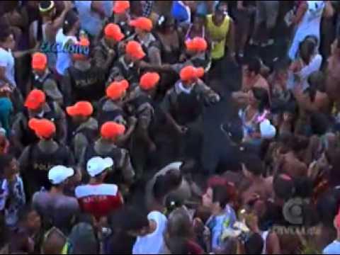 Exclusivo novas imagens de violência no desfile das virgens em Olinda   Cardinot