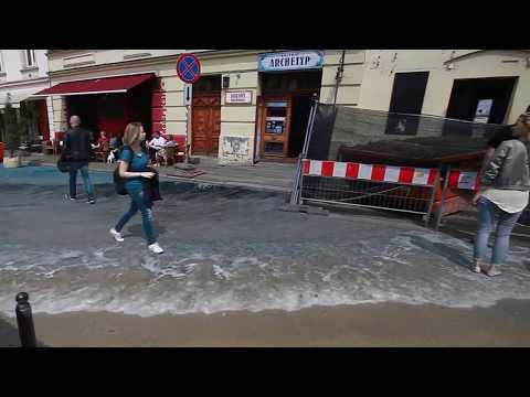 """""""Powódź"""" na placu Nowym"""