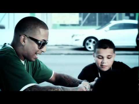 J Alvarez Ft Xavi The Destroyer Y Nengo Flow @ Caminando Por La Calle (Video Oficial)