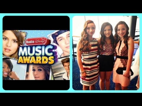 2013 Radio Disney Music Awards | Brooklyn and Bailey