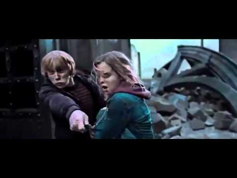 Harry Potter and the Deathly Hallows Part 2 - Official Clip Nagini Attacks Ron & Hermione [HD]