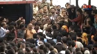 Sabarimala Temple : Clashes At Sabarimala Over Woman's Entry, Camera Person Injured | CVR News - CVRNEWSOFFICIAL