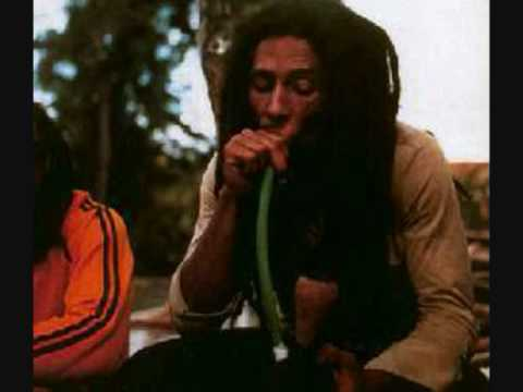 bu parçayı çok seviyorum:)reggae'nin ustası
