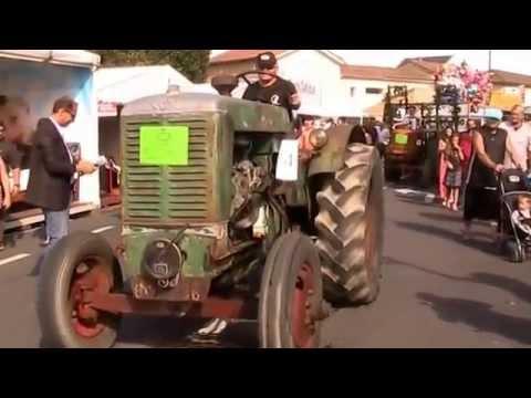 Le défilé de vieux tracteurs