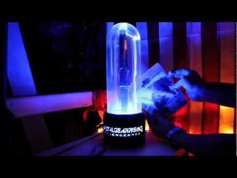 Metal Gear Rising: Revengeance - Limited Edition Unboxing Review Plasma Lamp