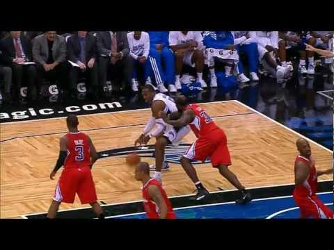 Dwight Howard's two-handed baseline slam!
