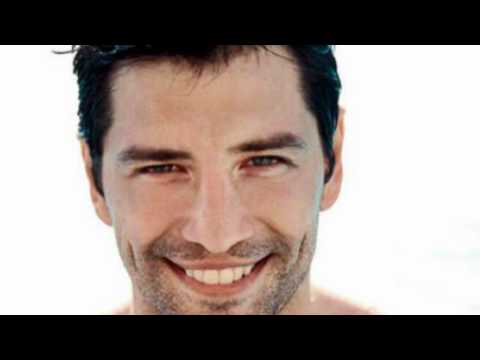 [Cd rip] S'agapao kai feugo ~ Sakis Rouvas [New Song 2011]+Lyrics