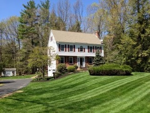58 Munroe Drive East Hampstead NH For Sale