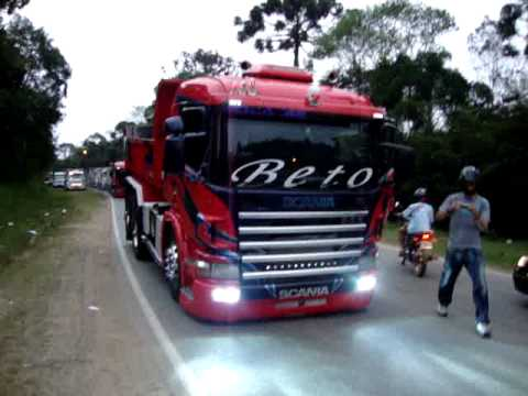 Scanias do Beto e do Toquinho Festa de Cip Guau 2010.MPG