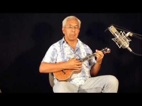 Kimo Hussey compares a tenor ukulele and a Baritone ukulele