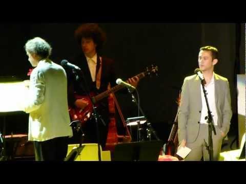 Joseph Gordon-Levitt sings @ Hollywood Bowl (2011) Part 2