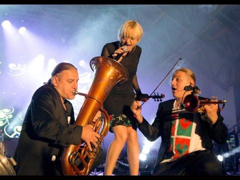 """Golec uOrkiestra - """"Lornetka"""" (live)"""