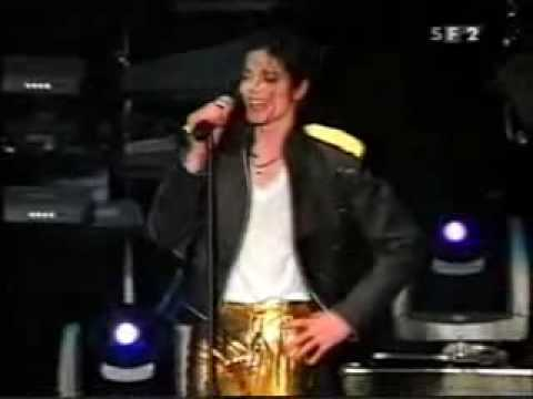 Michael Jackson Has A Problem On Stage Jam In Moscow