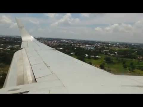 Sriwijaya Air Landing in Makassar From Surabaya